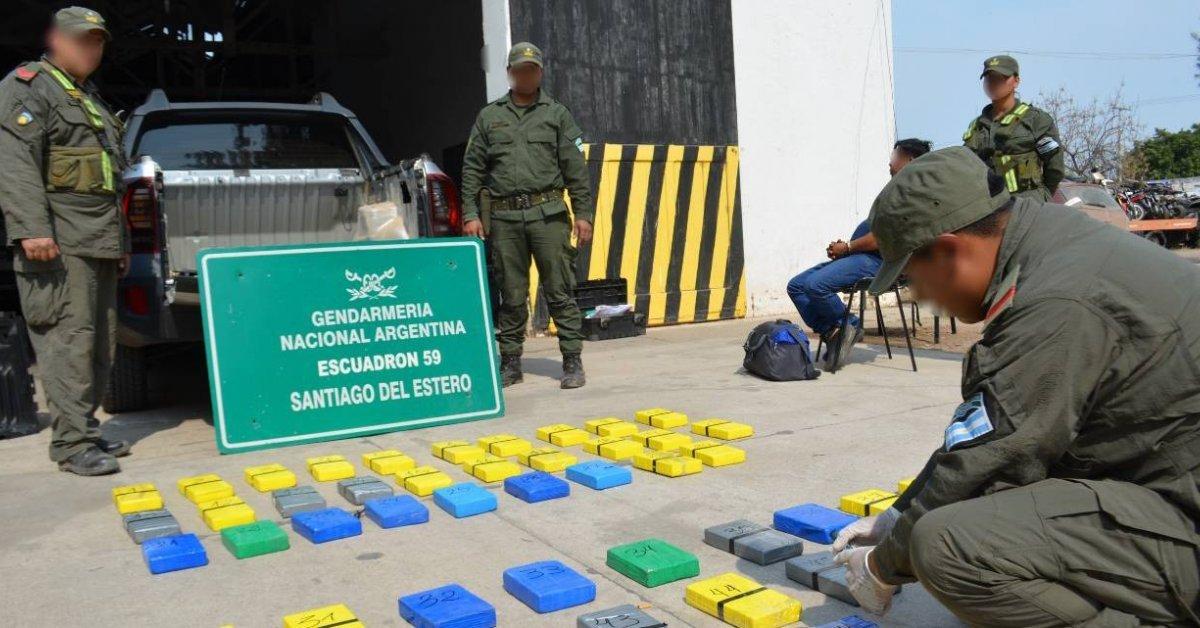 Gendarmeria incautó de 56 kilos de cocaína en Santiago del Estero